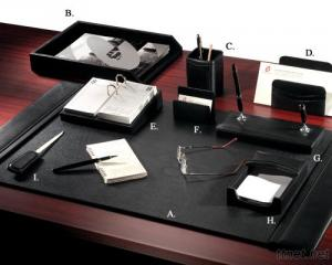 Chief's Leather 9 - PC Desk Set